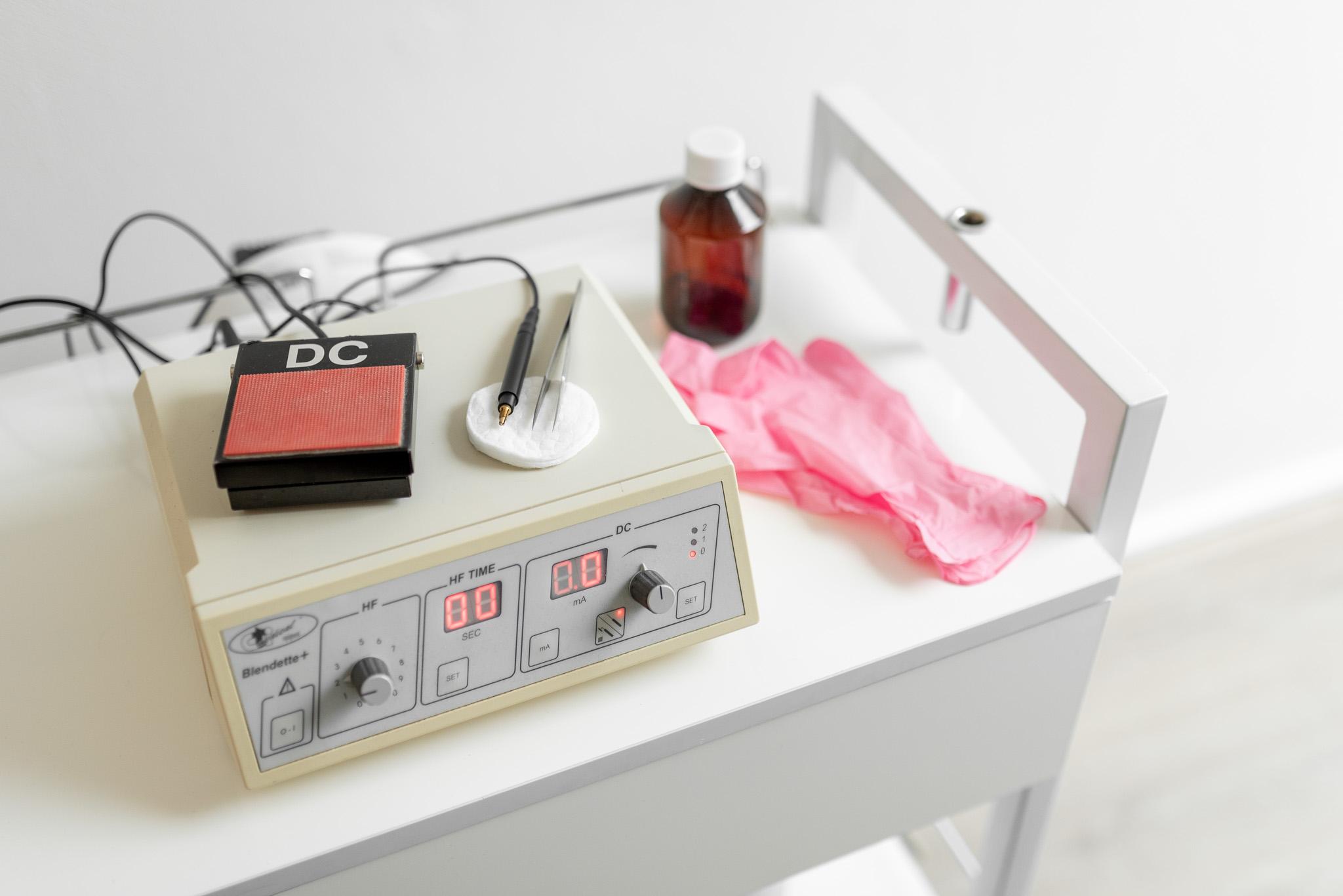 Elektrische Epilatie Behandeling bij Huidzorg Balans. Praktijk voor huidtherapie, huidverbetering, oedeemtherapie, lasertherapie.